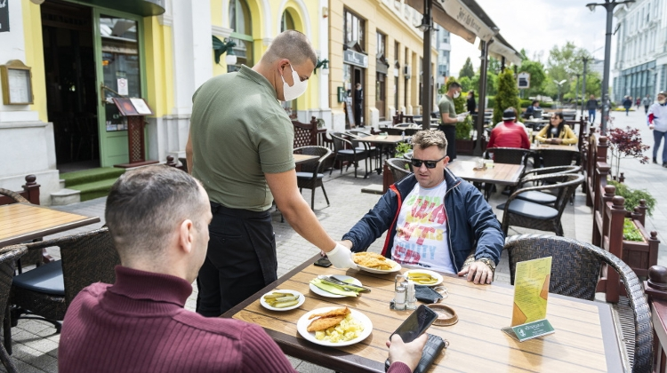 Budapest Restaurants Allowed To Open Indoors On Friday
