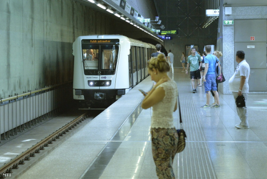 Budapest's M4 Metro Line Filled To Capacity