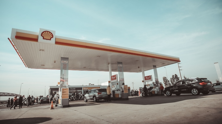 Hungary's Fuel Prices To Drop Significantly On Wednesday