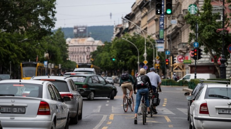New Survey: Budapesters Tolerant Of Bikers