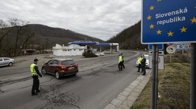 Hungary-Slovakia Lift All Restrictions On Border Traffic