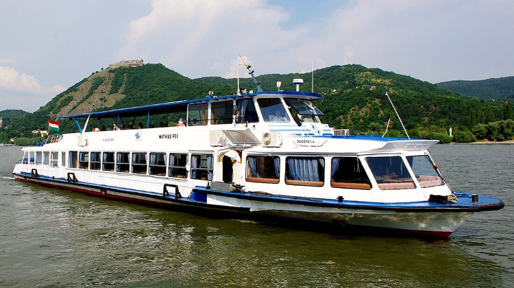 New Scenic Boat Service Launched Around Danube Bend Area