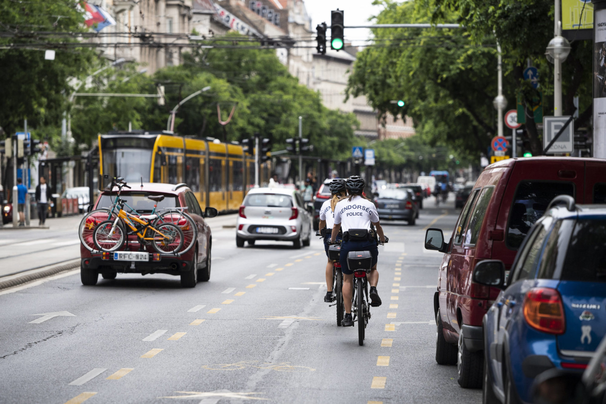 Budapest's Nagykörút Ring Road To Receive Permanent Bike Lane
