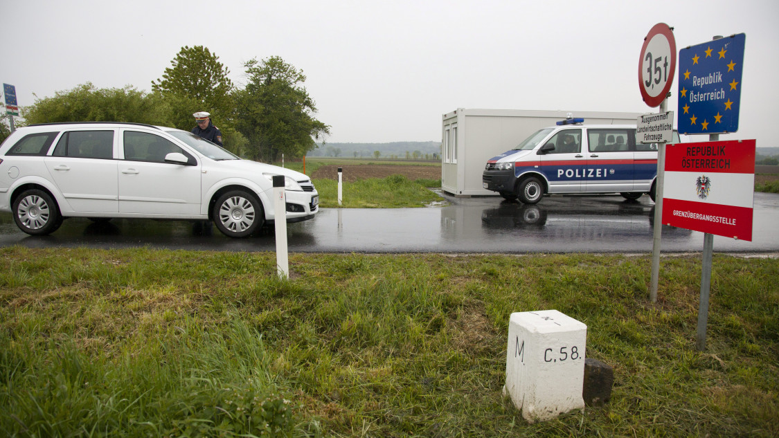 Hungarian-Austrian Border Crossing Opens