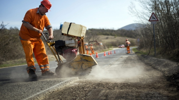 Attention Road Works Ahead: 2021 Set To See Largest Road Investment Programme Of Past Decade