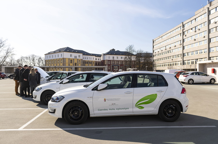 Electric Car Purchases To Get More Support By Gov't