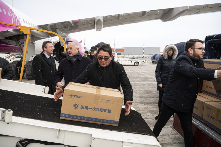 Video: Medical Shipment Arrives To Hungary From China