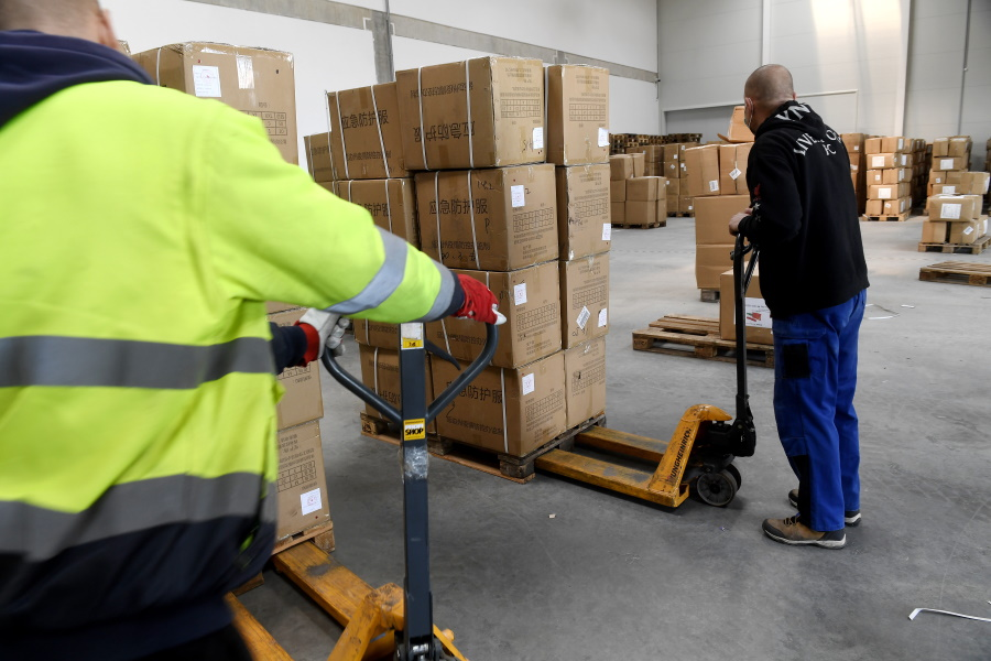 Coronavirus: 27 Tonnes Of Medical Supplies Arrive In Hungary