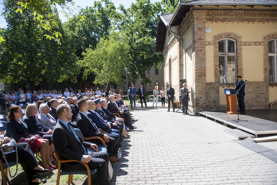 Hungarian President János Áder Lauds Health-Care Workers On Health Care Day