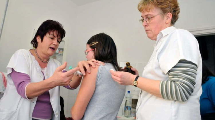 Hungarian Epidemiologist Notes Covid-19 Misconceptions, Importance Of Flu Shot