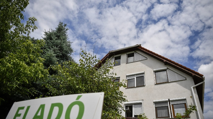 Housing Market Tumbles In Hungary