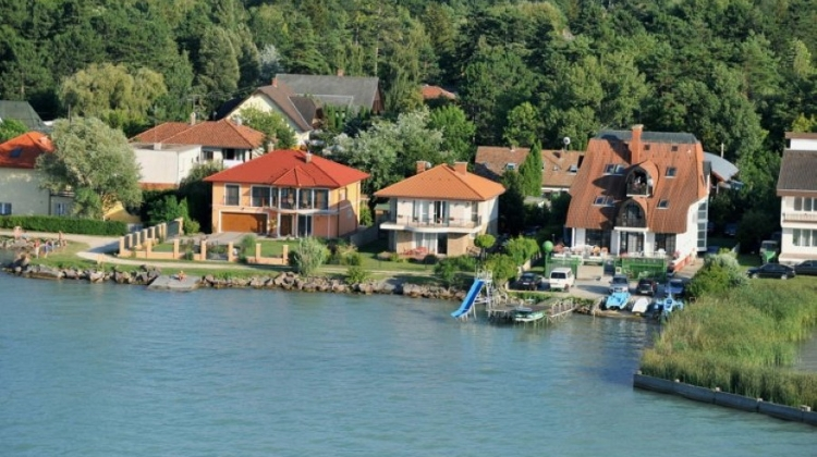Waterfront Properties Popularity Still Buzzing In Hungary