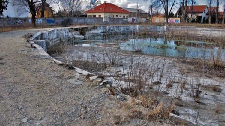 Protest Planned Against Swimming Pool Development In East Budapest