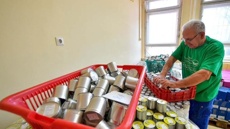 Hungarian Food Bank Association Gets 630 Tonnes Of Food From Aldi