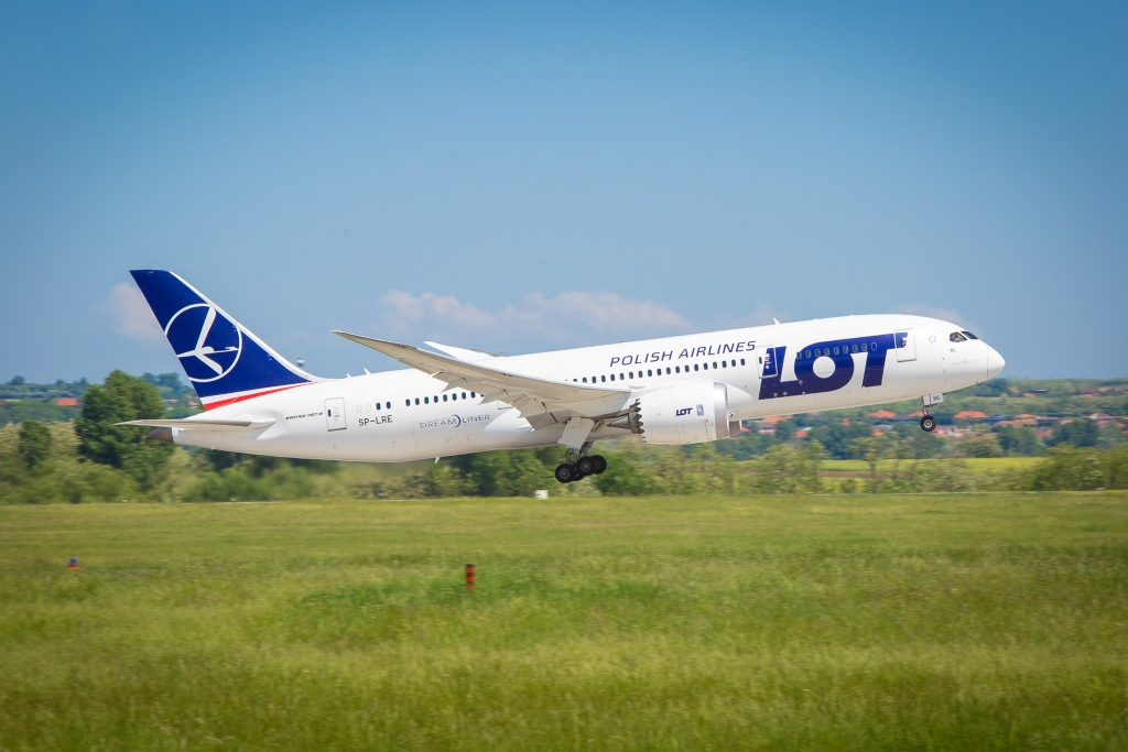 LOT Resumes Budapest Flights