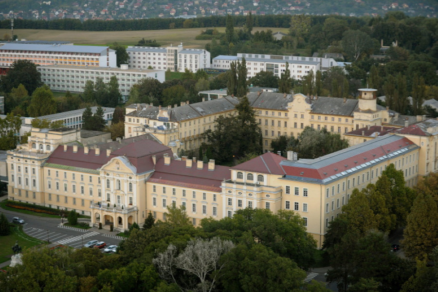 Hungarian Agriculture University To Be Run By Foundation