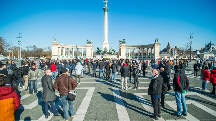 Hungarian Opinion: Anti-Lockdown Demonstrations In Budapest