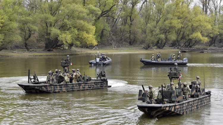 Look Out For US Armed Boats Operating Along Budapest Area Of Danube These Days, As Part Of Military Exercise