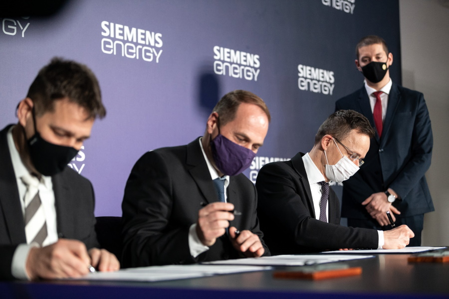 Watch: Siemens Unveils One Billion Forint Energy Project In Hungary
