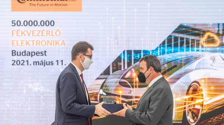 "Continental Hungary Praised By Innovation & Technology Minister At ""Success Story"" Celebration"