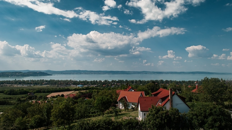 Watch: Xploring Wine Districts Of Hungary – Balatonfüred-Csopak