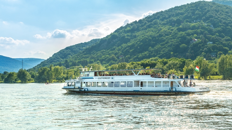 Danube Bend Hop-On Hop-Off Boat Trips Restart From This Saturday, 24 April