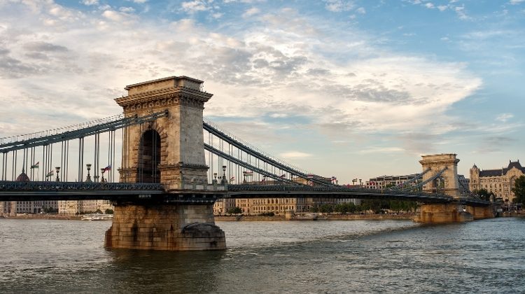 Watch:  Chain Bridge Budapest - The Witness Of History