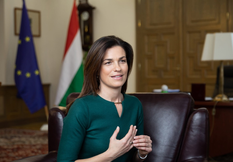 Hungarian Justice Minister Addresses 'Problematic' Tech Practices With Competition Authority Head