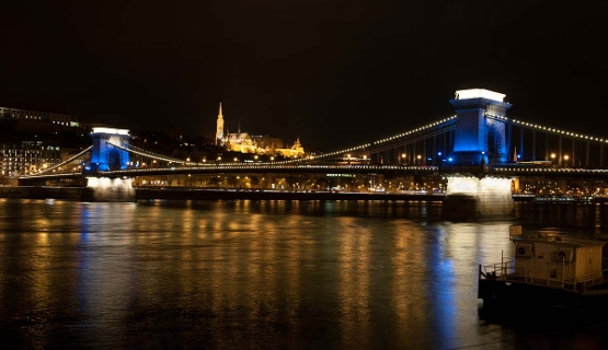 Chain Bridge In Budapest Goes Blue & White