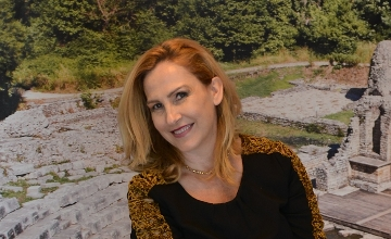 Еlda Spasse, President Of The Diplomatic Spouses Of Budapest