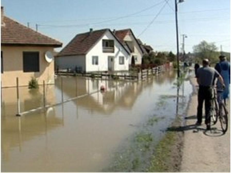 Hungarian Gov't To Repair Flood-Damaged Buildings