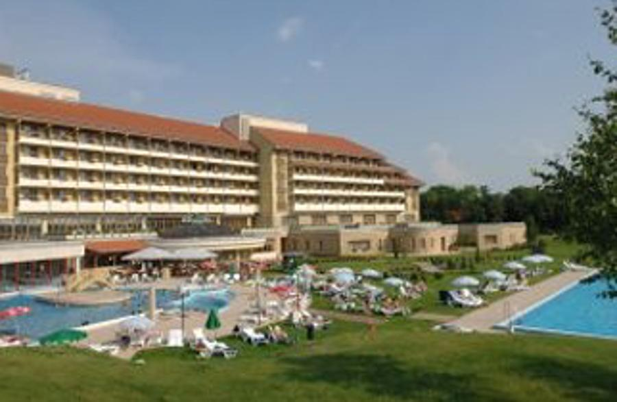 Enjoy An 'Indian Summer' At Hotel Pelion In Tapolca