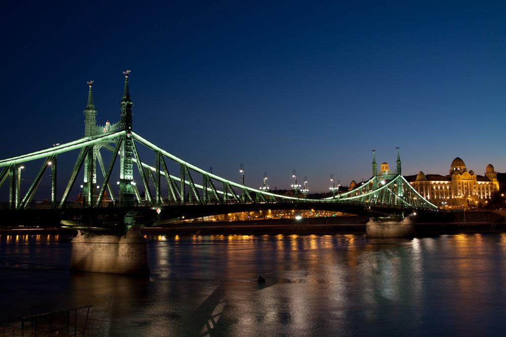 Liberty Bridge Brings International Award To Budapest