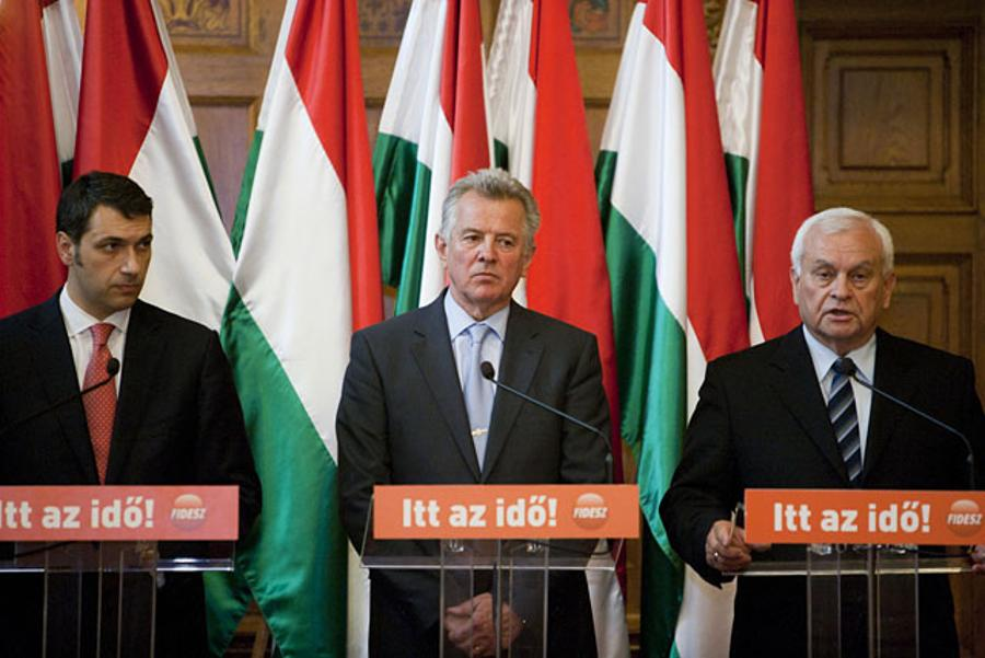 Hungary's President Schmitt Accused Of Plagiarism