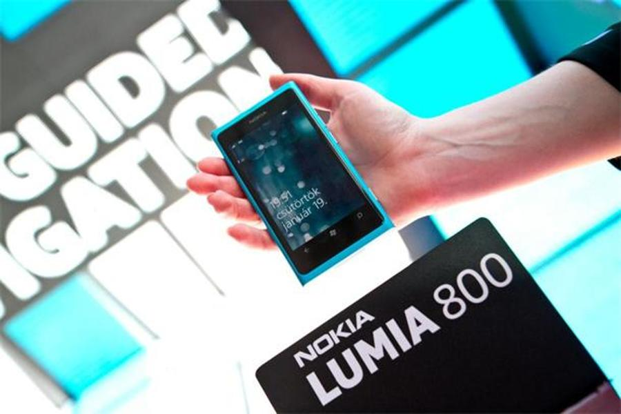 Telenor Presents Nokia Windows Phones Lumia 800 And 710 In Hungary