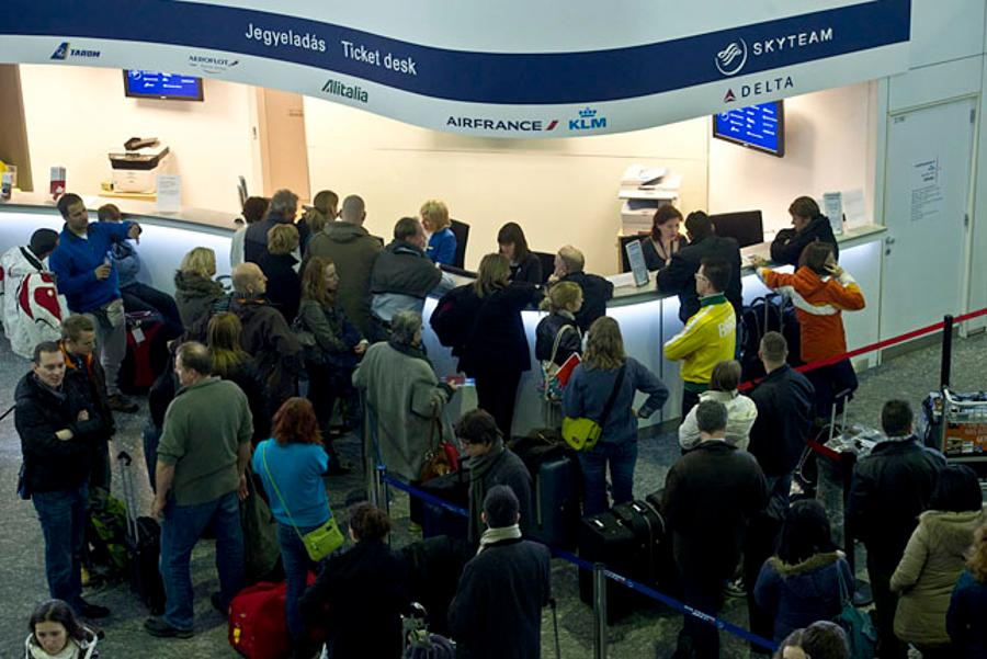 Budapest Airport Operating Despite Malév's Collapse