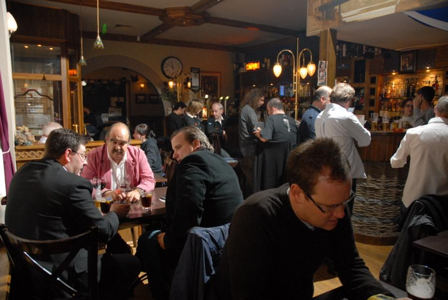 Update: Caledonia Budapest Expat Pub Faces Shocking Closure