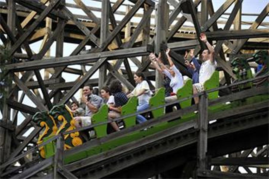 What's Next For Bankrupt Amusement Park In Budapest