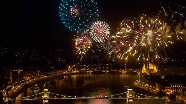 Fully Booked: Budapest Bonfire Party