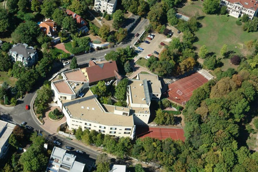 Britannica British School Buys District XII Building In Budapest