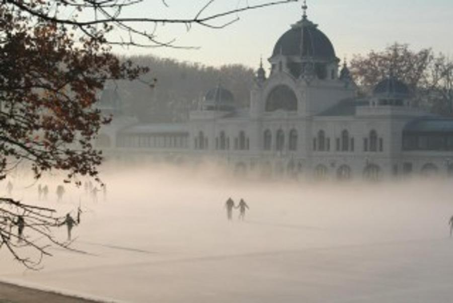 Where To Ice-Skate In Budapest This Winter