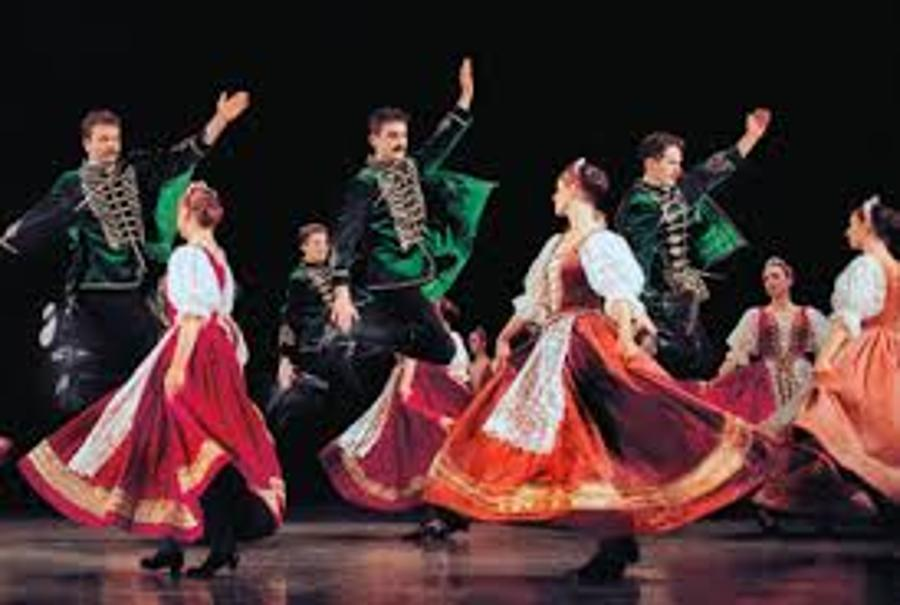 Hungarian State Folk Ensemble Is Touring The US, Has Ambitious Plans