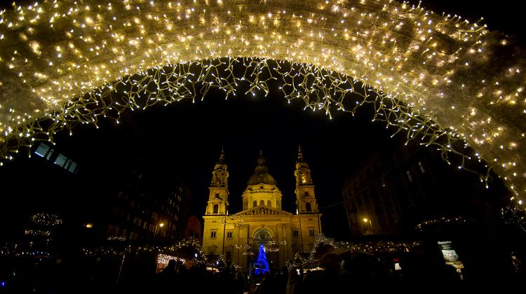 Spectacular Advent Feast Started At The Basilica In Budapest