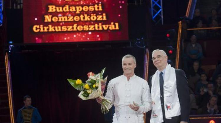 Hungary's Richter Acrobat Troupe Wins Gold At Budapest International Circus Festival
