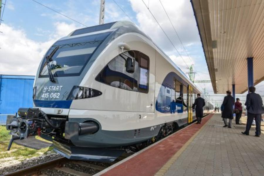 First Two New FLIRT Multiple Units Received In Hungary