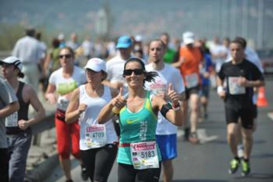 Record Numbers Participate In 29th Vivicittá Run In Budapest