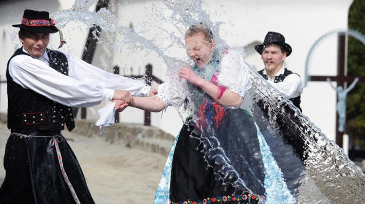 Video: Easter Tradition Of Sprinkling Women