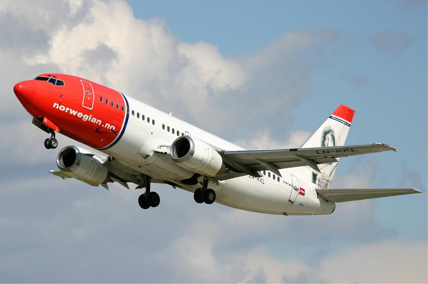 Norwegian Air Shuttle Launches Budapest - London Flight