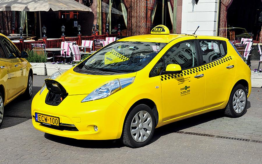 First Electric Taxicabs Have Been Presented To Budapest