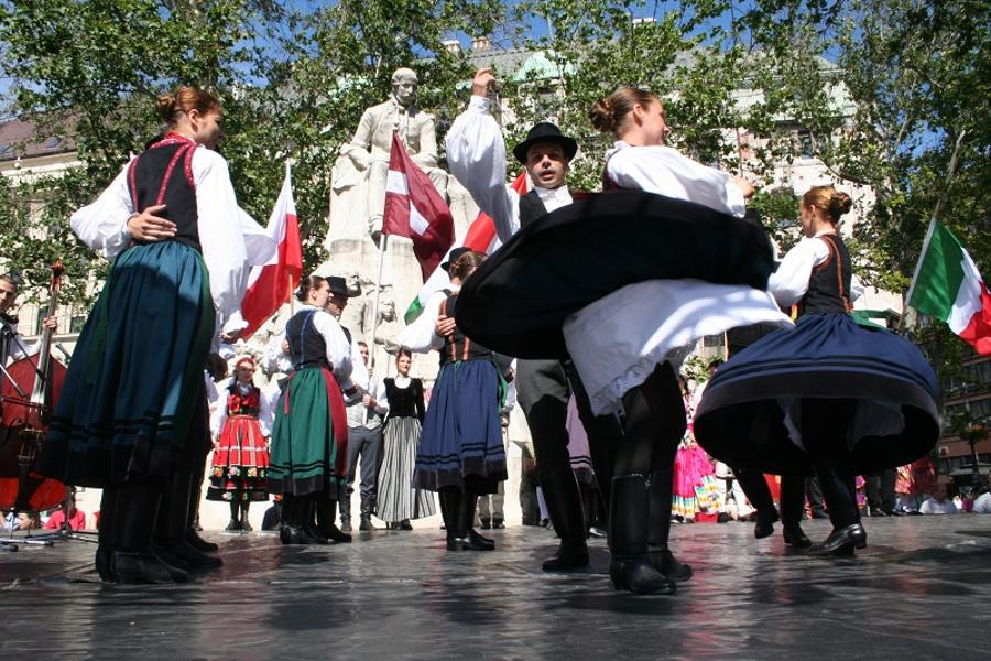 Danube Carnival 2014: A Captivating Folk Dance Celebration On The Streets Of Budapest